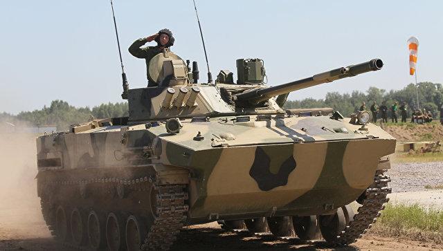 Боевая машина пехоты БМП-3. Архивное фото.