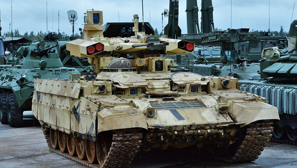 Боевая машина поддержки танков (БМПТ) Терминатор-2. Архивное фото.