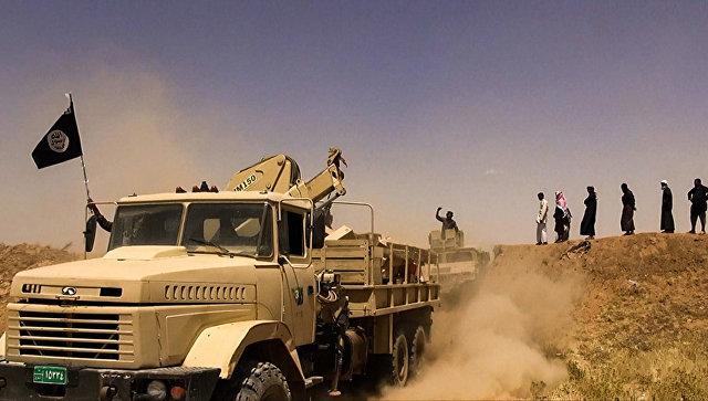 Боевики террористической группировки Исламское государство на границе Сирии и Ирака.