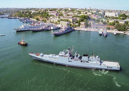 Боевой выход черноморцев показал высокую боеготовность экипажа фрегата. Фото с сайта www.mil.ru