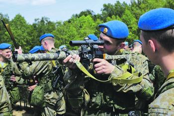 """Бойцы ВДВ. Фото с сайта <a href=""""http://www.mil.ru"""">www.mil.ru</a>"""