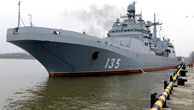Большой десантный корабль Иван Грен выходит в Балтийское море для проведения государственных испытаний.