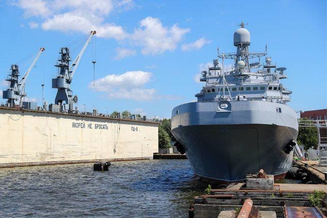 """Большой десантный корабль проекта 11711 типа """"Иван Грен"""""""