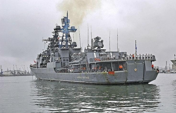 """Большой противолодочный корабль Тихоокеанского флота """"Адмирал Пантелеев""""."""