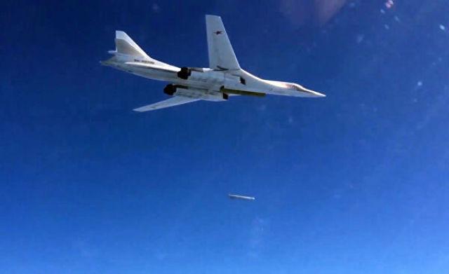 Бомбардировщик-ракетоносец Ту-160 Военно-космических сил России