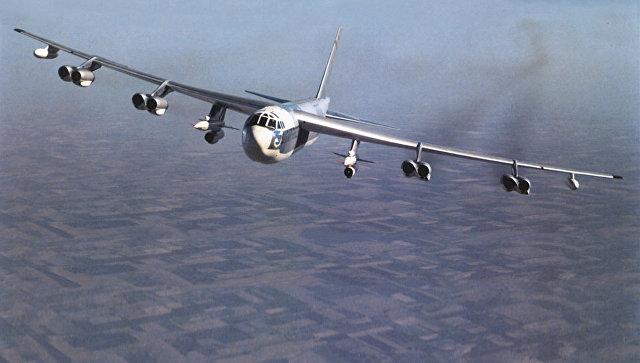 Американский стратегический бомбардировщик B-52.