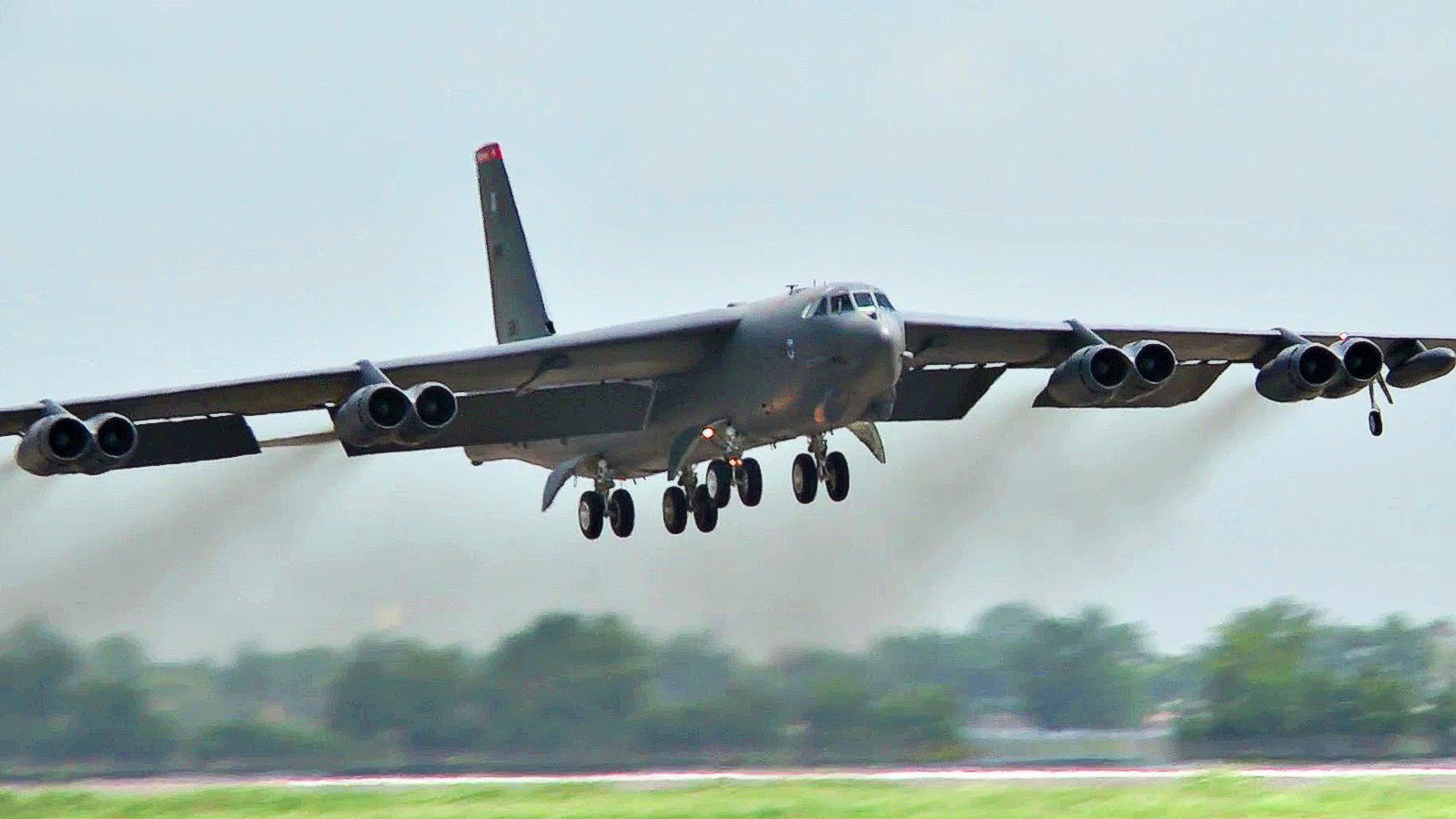 Бомбардировщик Boeing B-52H.