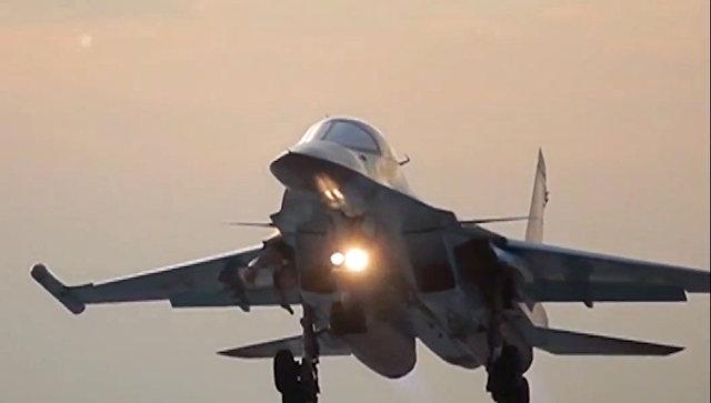 Бомбардировщик Су-34 ВКС РФ. Архивное фото.