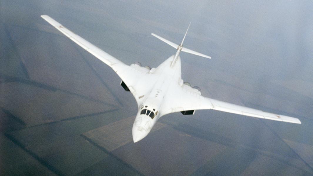 Советский сверхзвуковой стратегический бомбардировщик Ту-160 (1989).