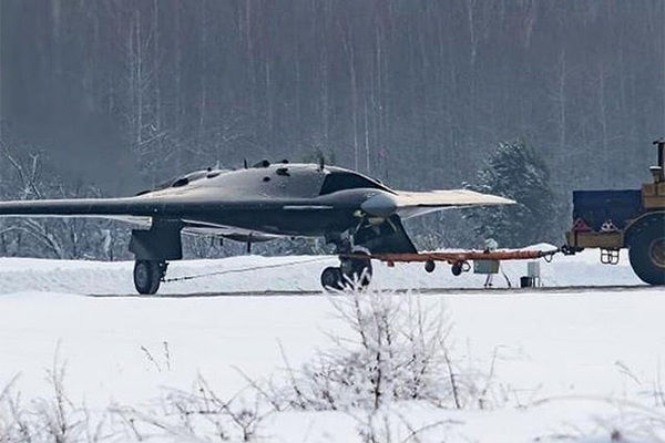 "(БПЛА) С-70 ""Охотник""."