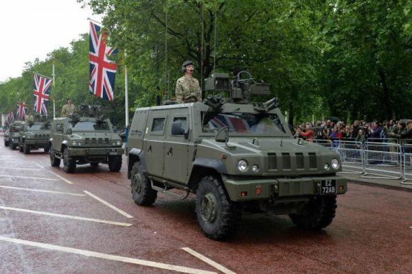 Британия распродает бронемашины Iveco LMV