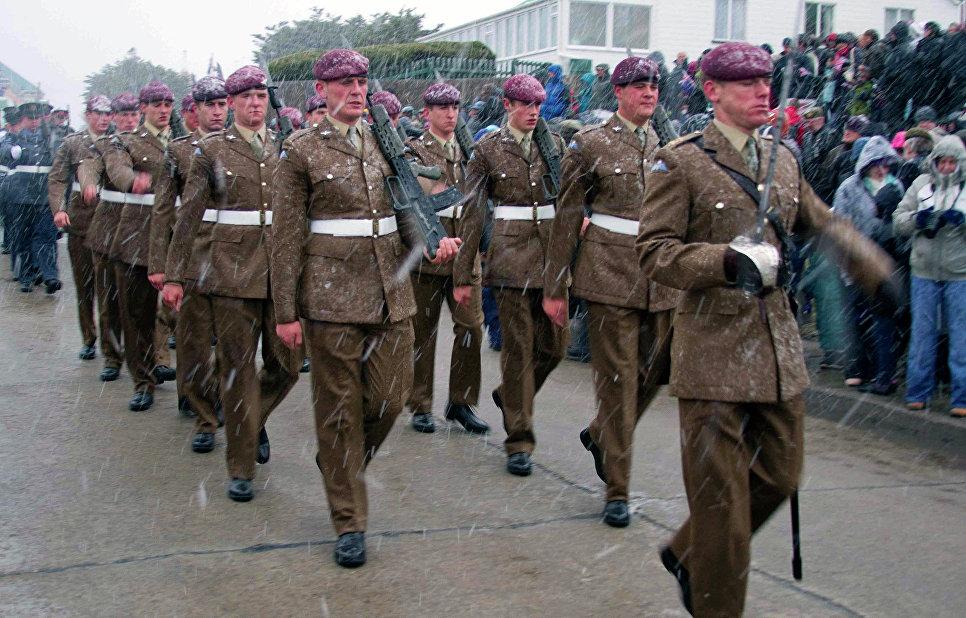 Британские военные на Фолклендских островах.