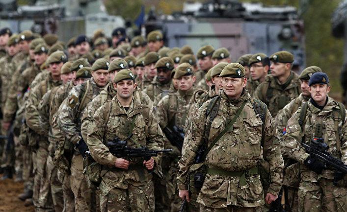 Британские солдаты на учениях НАТО Iron Sword 2014 в Литве.