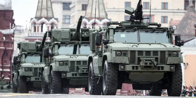 "Бронеавтомобили ""Тайфун-ВДВ"" и ""Тайфун-ПВО"""