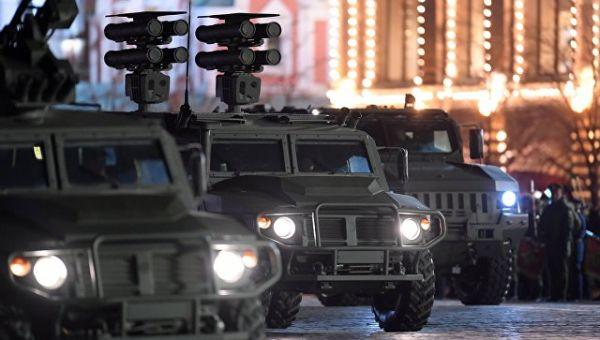 Бронеавтомобили Тигр-М на репетиции военного парада на Красной площади