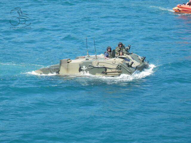 Испытание БТР-МДМ в морских условиях.