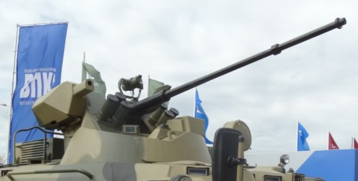 БТР-82 с лазерным прожектором.