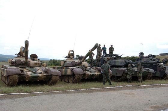 Танки T-72 и M1 Abrams