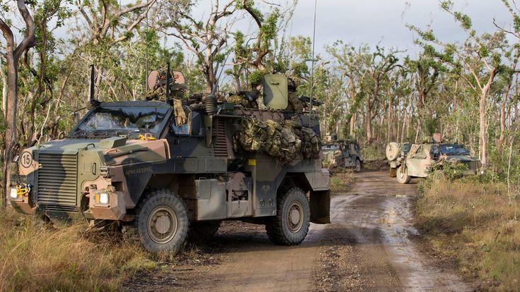 Бронированные машины Thales Australia Bushmaster MPV австралийской армии на учениях Diamond Strike в Квинсленде, июнь 2015 года.