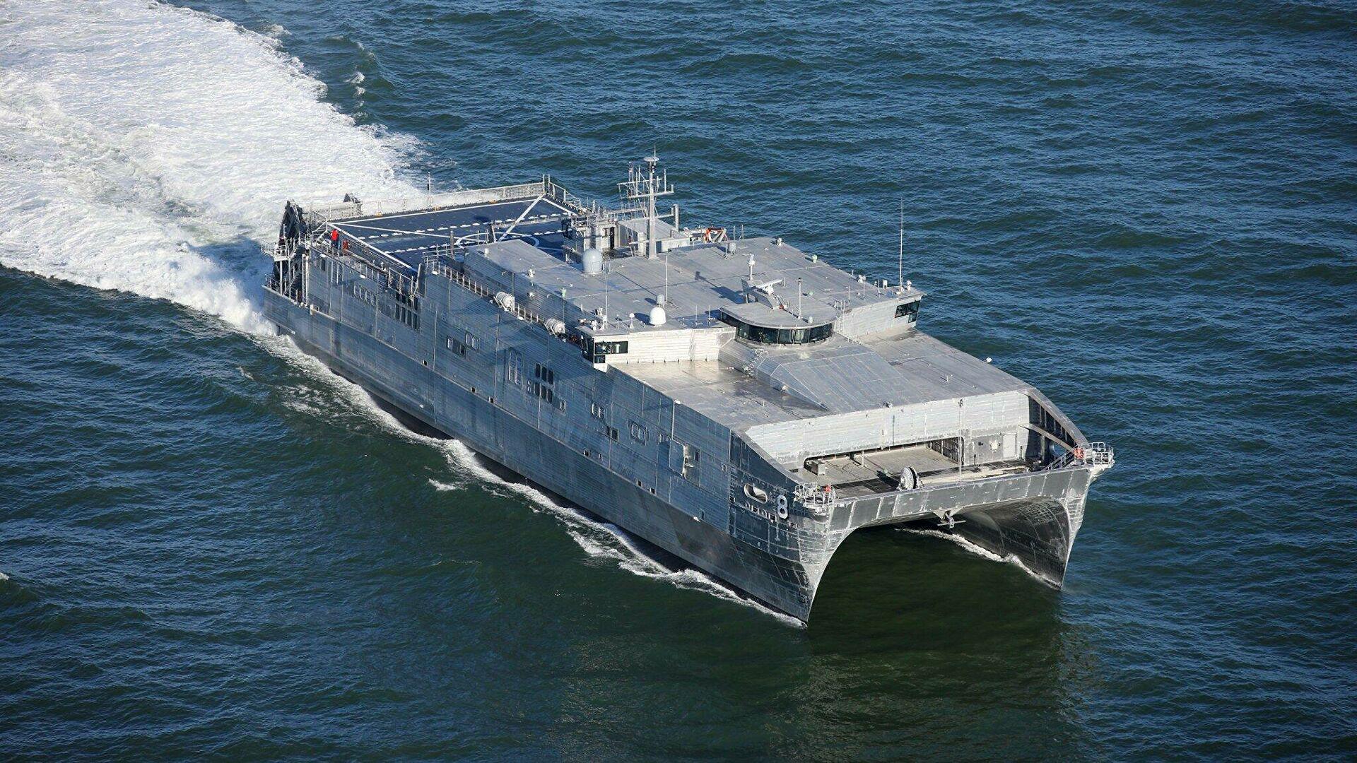 Второй за сутки. США направили военный корабль в Черное море