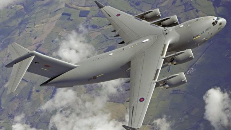 Стратегический транспортный самолет С-17 ВВС Великобритании.