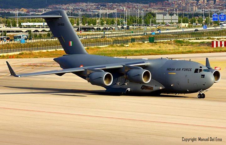Стратегический транспортный самолет С-17 Globemaster III из состава ВВС Индии.