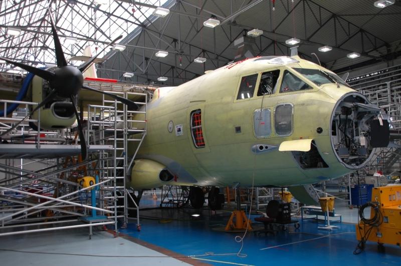 Сборка транспортного самолета C-27J для ВВС Австралии.