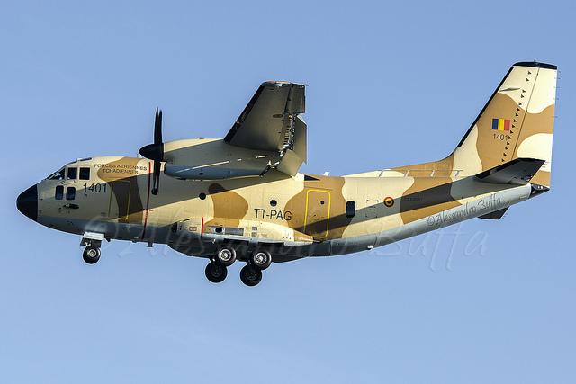 Первый самолет Alenia Aermacchi C-27J (серийный номер 4180, бортовой номер 1401, чадская регистрация ТТ-PAG), построенный для ВВС Чада, в первом полете. Турин, 17.12.2013.