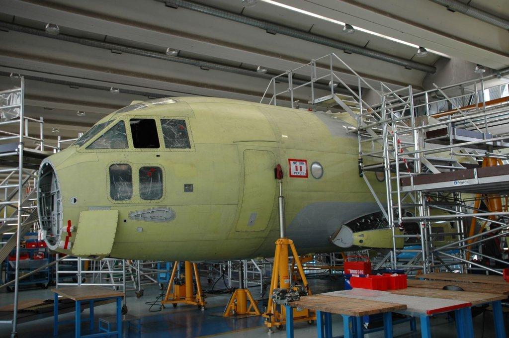 Сборка военно-транспортного самолета С-27J Spartan для ВВС Перу.