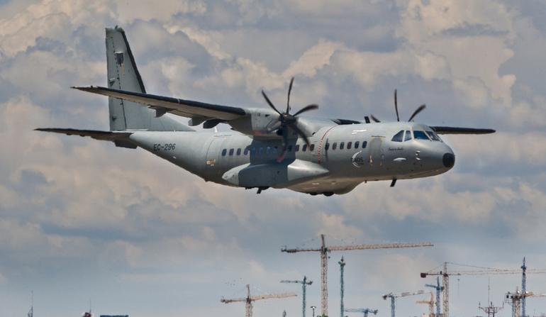 Транспортный самолет С-295.
