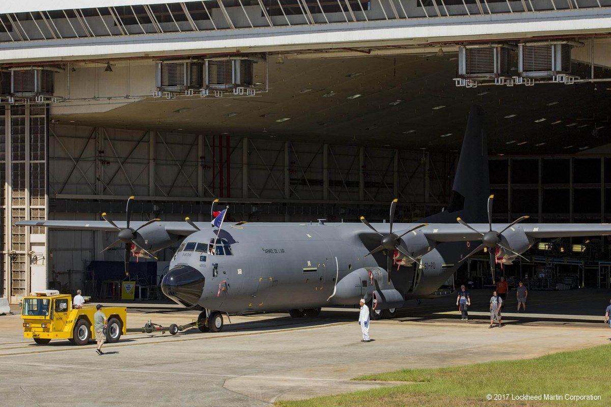 Первый построенный для ВВС Франции военно-транспортный самолет Lockheed Martin C-130J-30 Super Hercules (серийный номер 5836, французский бортовой номер 61-РО). Мариэтта, 20.10.2017.