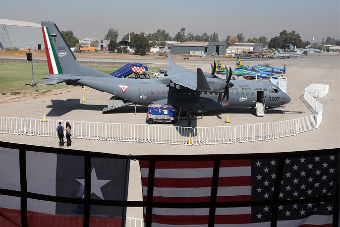 Легкий турбовинтовой транспортный самолет CASA C-295.
