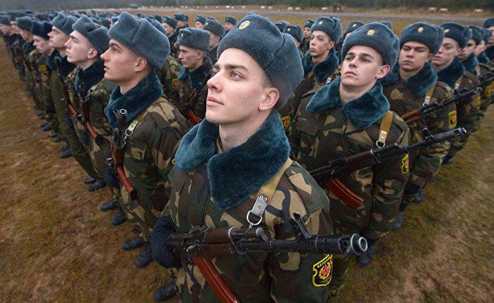 Церемония принятия военной присяги в Белоруссии.