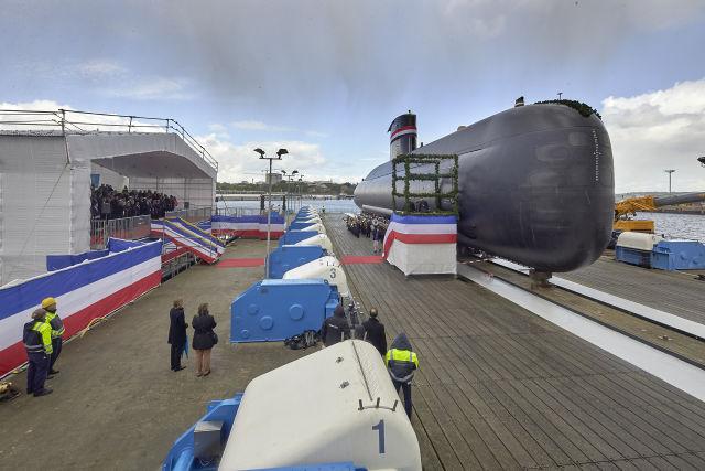 Церемония спуска на воду на германском судостроительном предприятии thyssenkrupp Marine Systems (TKMS) в Киле третьей строящейся для Египта дизель-электрической подводной лодки S 43 проекта 209/1400Mod, 03.05.2019