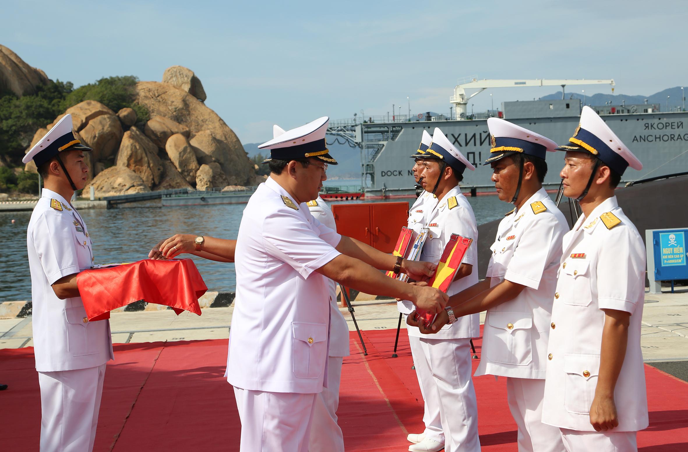 Церемония ввода в состав ВМС Вьетнама больших дизель-электрических подводных лодок проекта 06361 H.