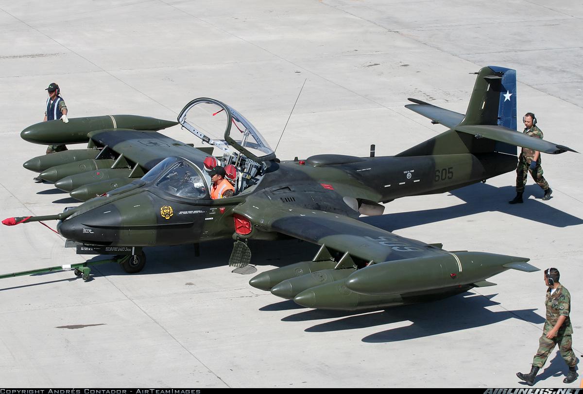 Легкий ударный самолет Cessna A-37B Dragonfly.