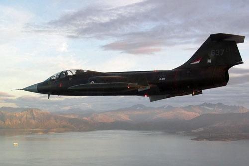 CF-104D во время выполнения полета после 33-летнего перерыва.