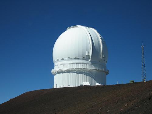 """Телескоп """"Канада - Франция - Гавайи"""" (CFHT)."""