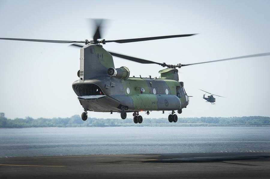 Вертолет CH-147F Chinook ВВС Канады.