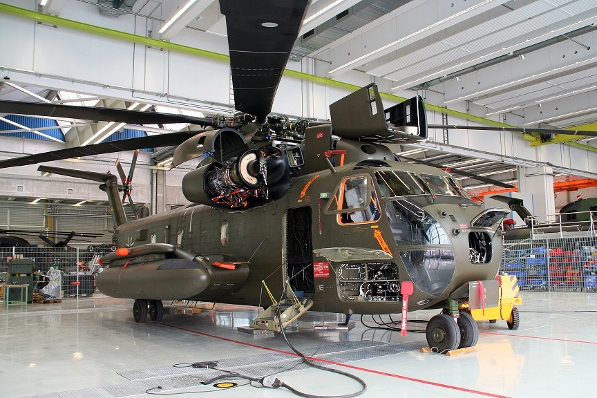 Тяжелый транспортный вертолет Sikorsky / VFW - Fokker CH-53G вооруженных сил ФРГ.