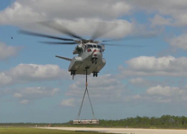 Грузовые испытания перспективного тяжелого вертолета CH-53K King Stallion.