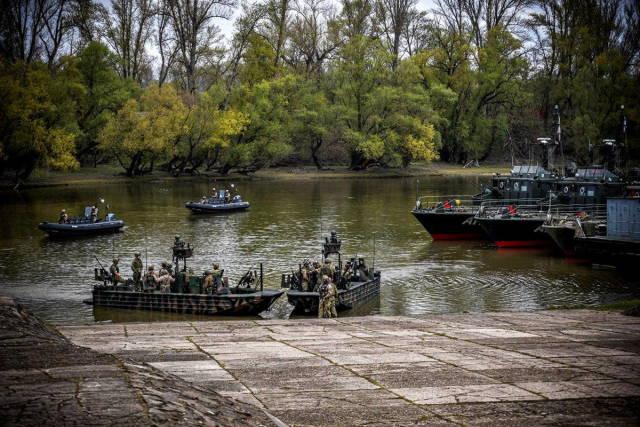 «Черный лебедь 2021»: ССО НАТО отрабатывают речные операции на Дунае