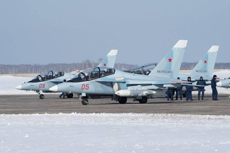 Учебно-боевые самолеты Як-130.