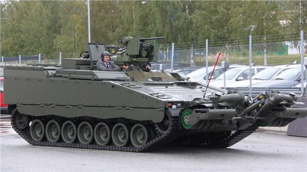 Инженерная машина на базе БМП CV90 STING.