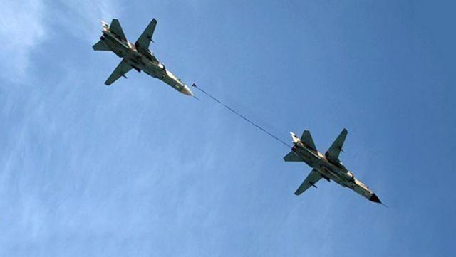 Демонстрация дозаправки в воздухе Су-24МК ВВС Ирана
