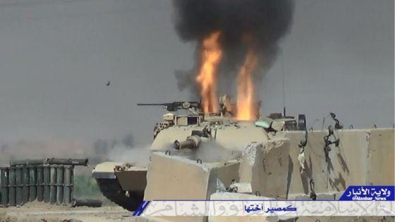 Горящий танк M1A1M иракской армии