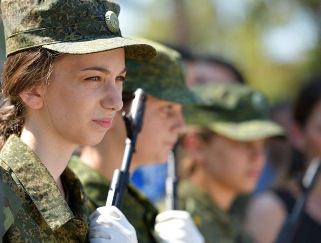 Девушки-курсанты. Архивное фото