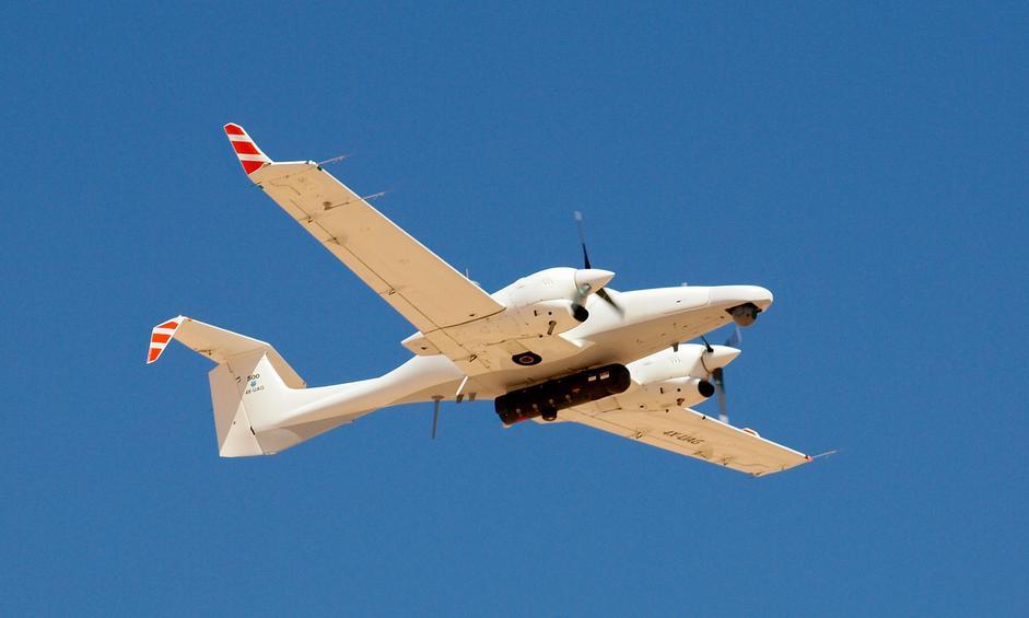 Прототип беспилотного летательного аппарата Dominator XP совместной разработки израильской компании Aeronautics Defense Systems и канадской компании САЕ на основе легкого самолета Diamond DA42NG.
