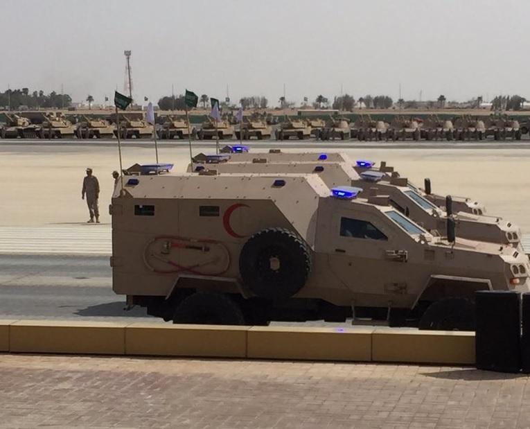 Грузинские бронированные медицинские эвакуационные машины Didgori (AMEV) сухопутных войск Саудовской Аравии на параде 26.02.2016.