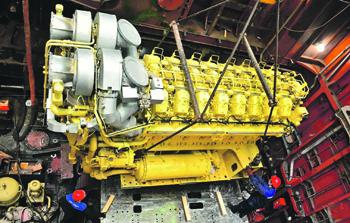 Дизельные двигатели не позволяют лодкам находиться под водой дольше 10 дней. Фото с сайта www.aoosk.ru